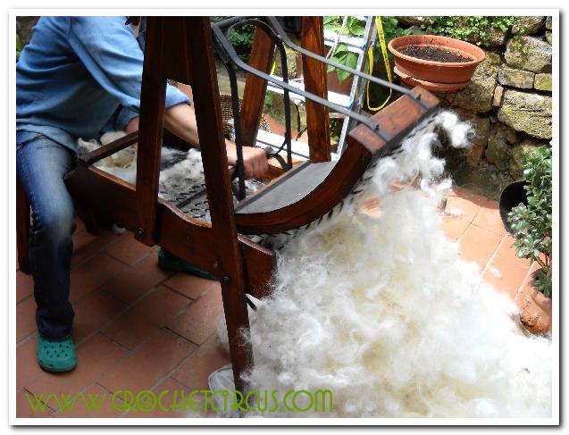 Cardare la lana in casa